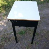 Child's school desk / tool stand 2